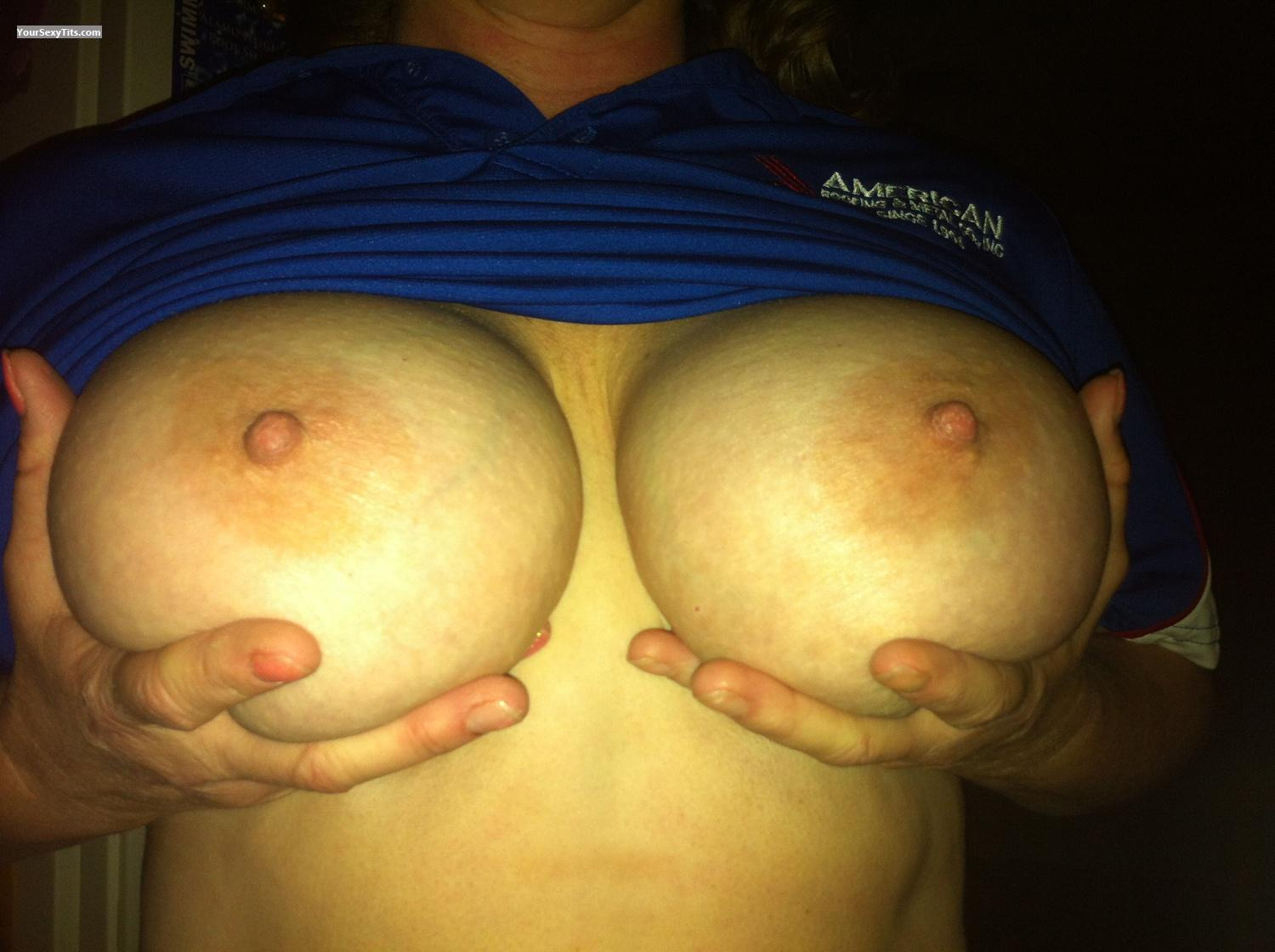 Very big Tits Wowza
